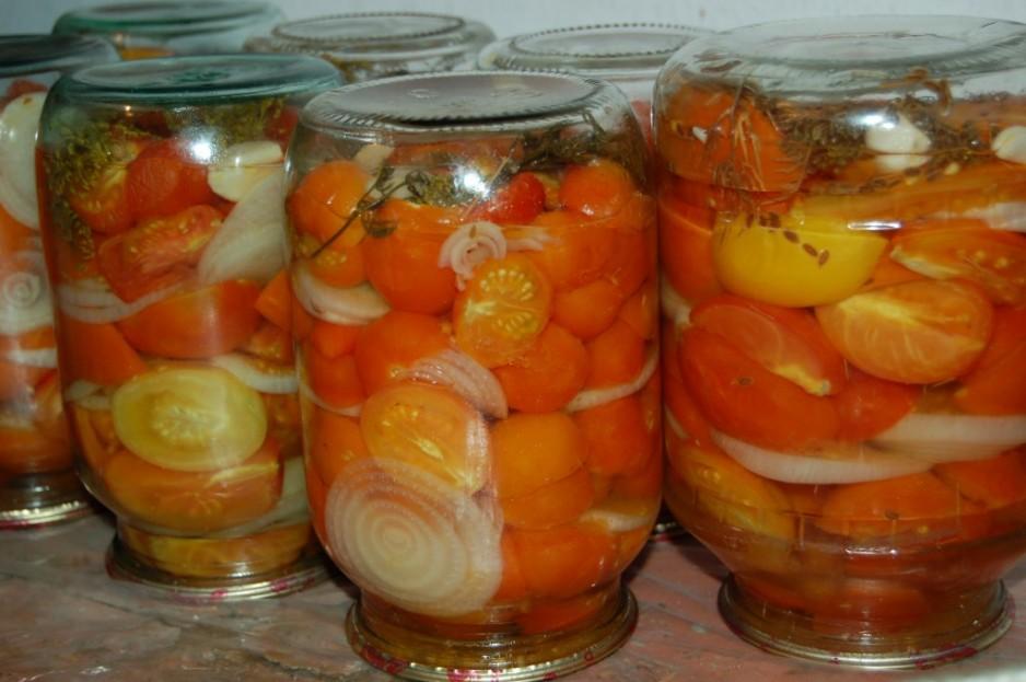 Консервированный салат из помидоров