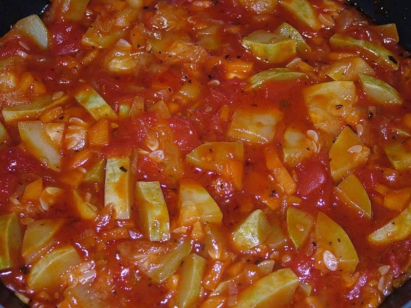 Кабачки в соусе томатном